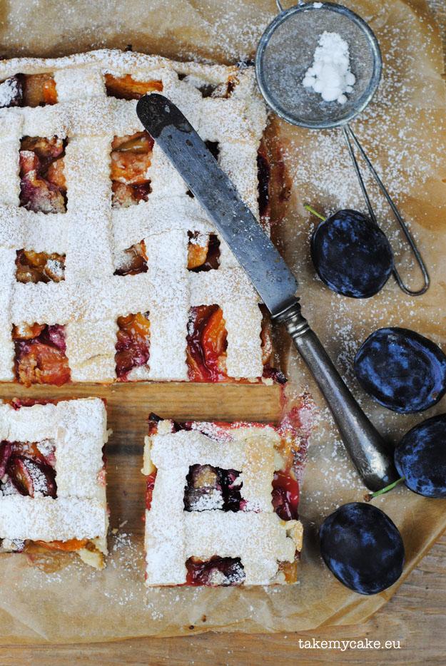 kruche ciasto ze sliwkami i morelami