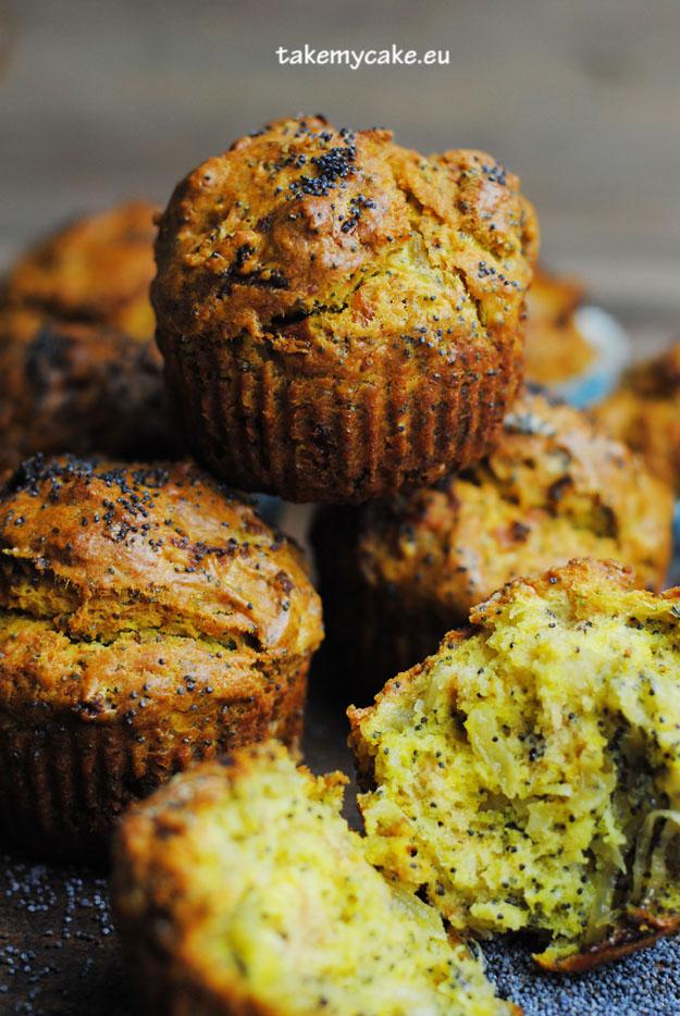 muffinki z cebula i makiem