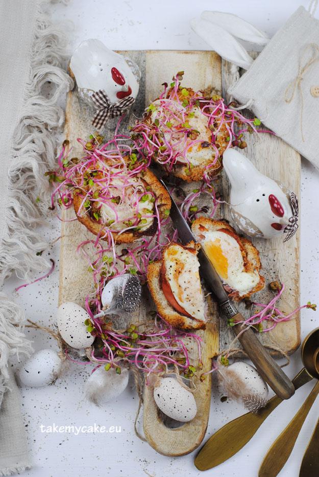jajka zapiekane w tostach